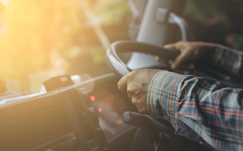 trucking companies that train and hire felon