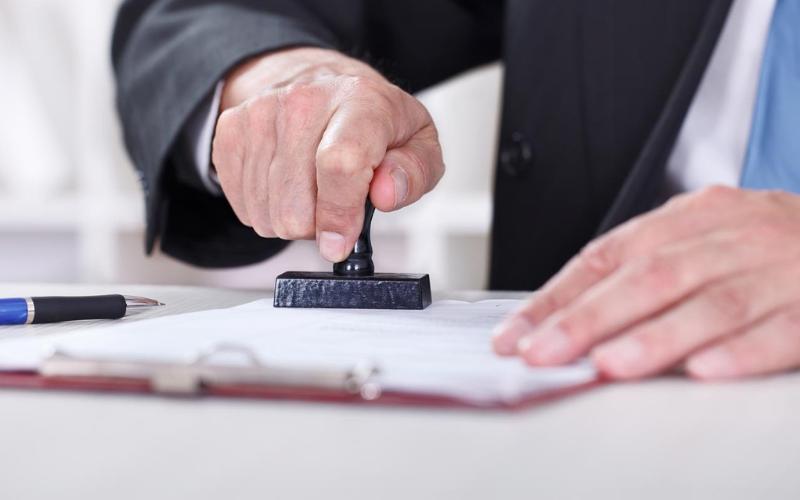 Can a Felon Become a Notary?