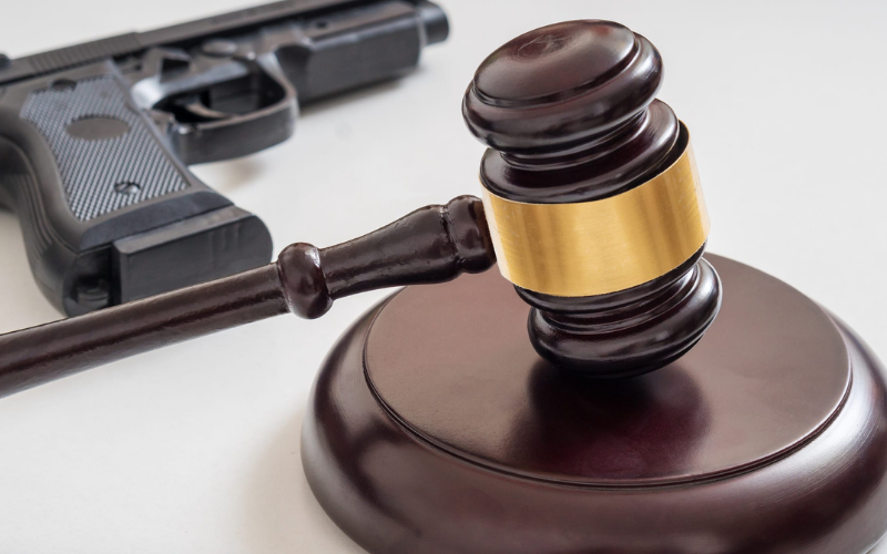can convicted felon own a gun after 10 years