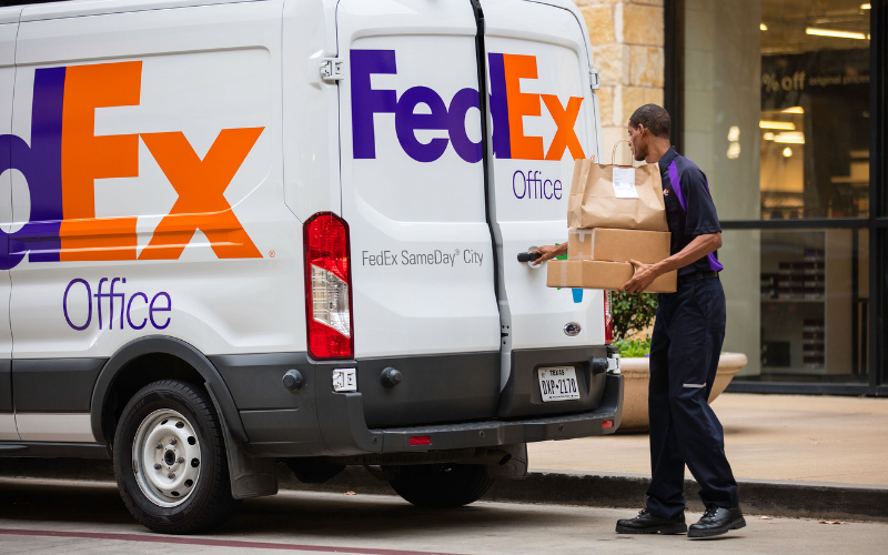 Does FedEx Hire Felons?