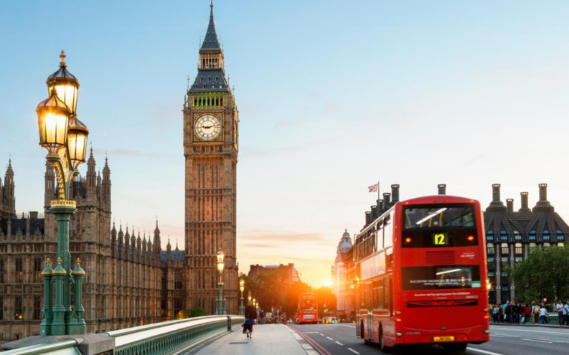 can a felon travel to london