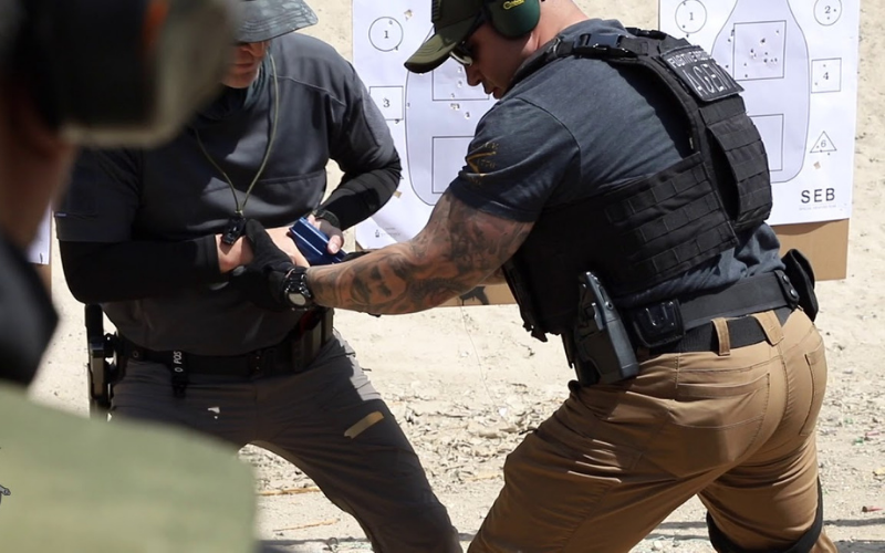 can felon become fugitive recovery agent