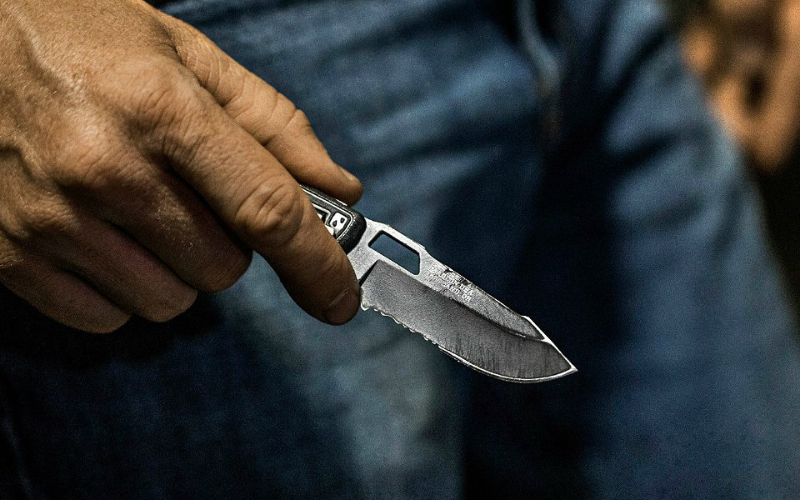 can felons carry knives