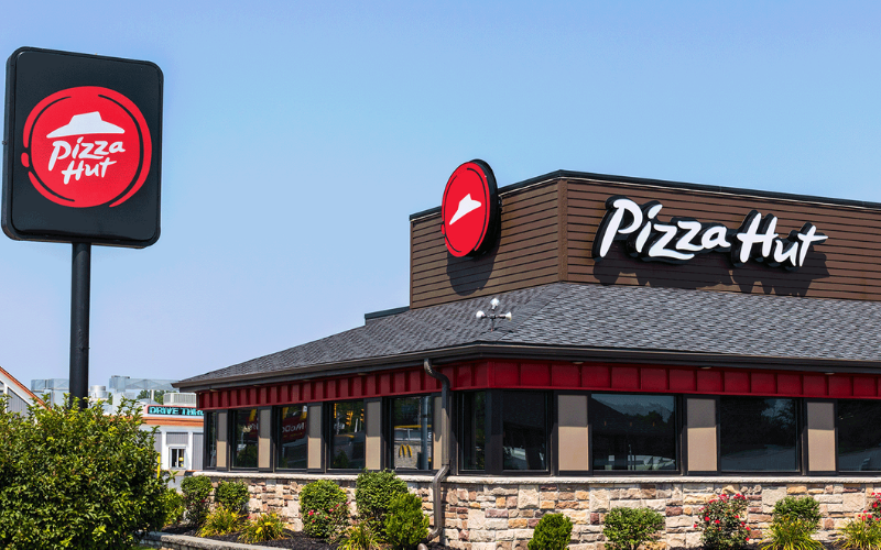 Does Pizza Hut Hire felons?