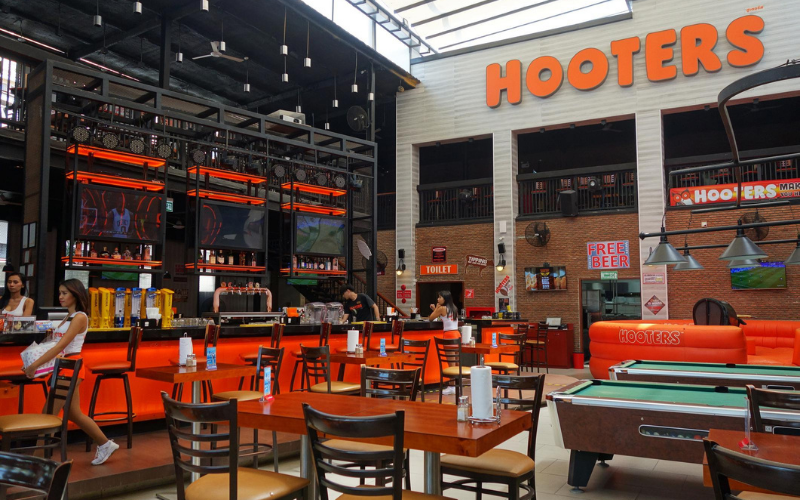 Hooters Interview Questions