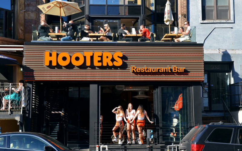 Hooters job application process