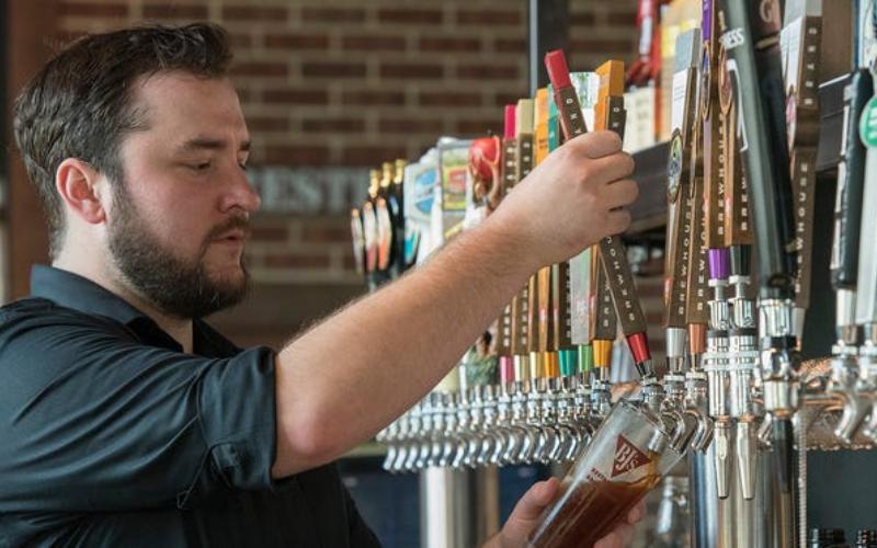 bjs restaurant brewhouse application tips