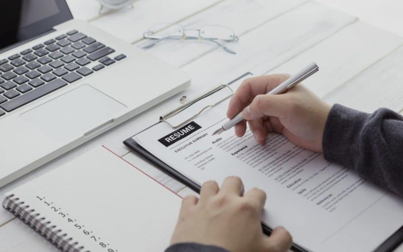 how to list references on your resume