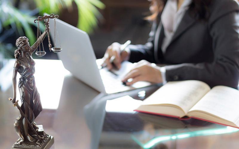 legal administrative assistant job description