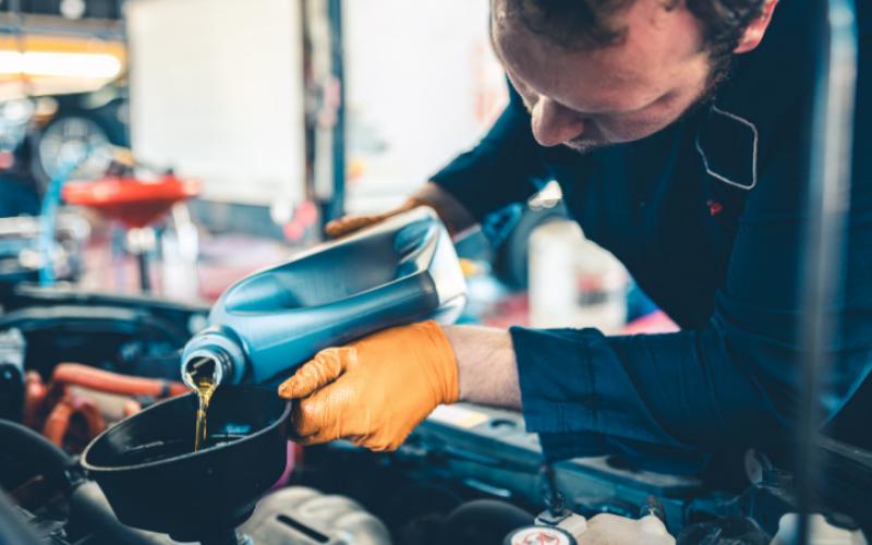 the lube technician job description